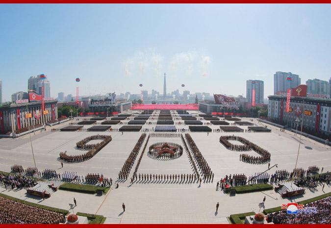 Ким Чен Ын на демонстрации и военном параде в Пхеньяне 3