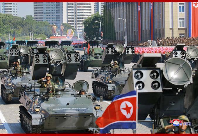 Ким Чен Ын на демонстрации и военном параде в Пхеньяне 11