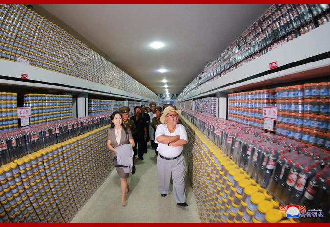 Ким Чен Ын на фабрике обработки засоленных рыбных продуктов 3