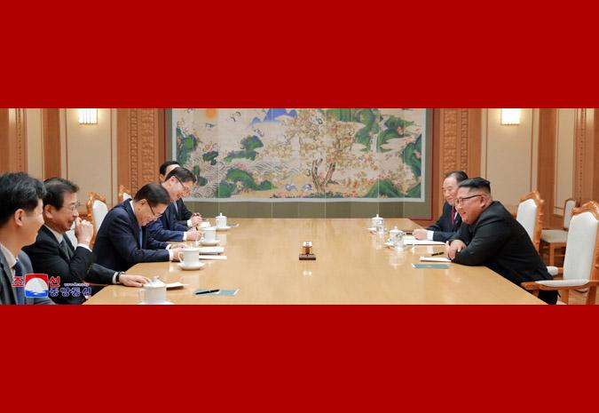Ким Чен Ын и делегация спецпосланника Мун Чжэ Ина 2