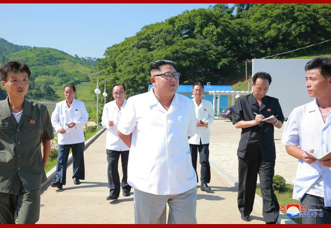 Ким Чен Ын в рыбоводческом хозяйстве 2