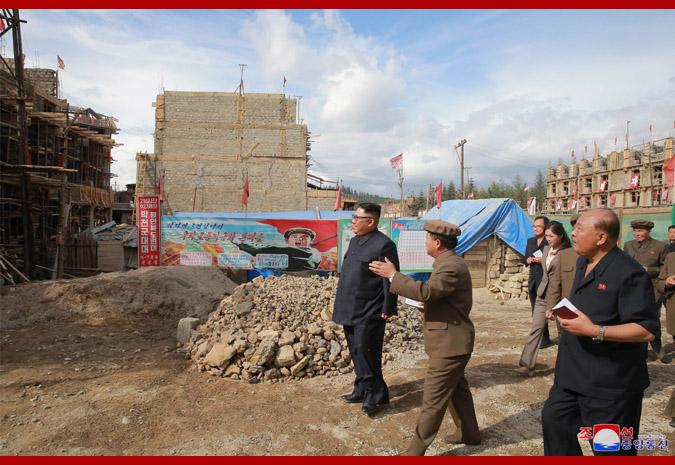 Ким Чен Ын на стройке уезда Самчжиён 2