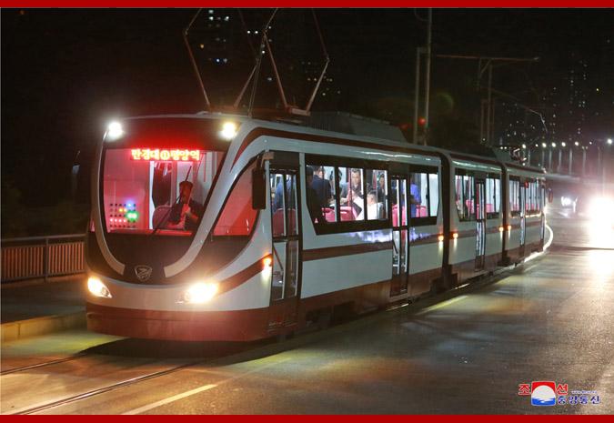 Новый трамвай КНДР
