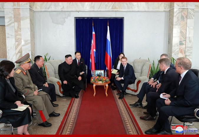 Ким Чен Ын прибыл во Владивосток 11